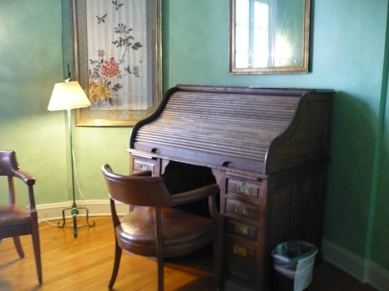 The Old Governor's Mansion : Office