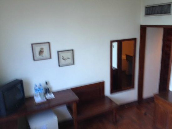 Thamada Hotel: Part of the Room