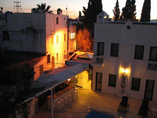 Asmin Hotel : Otel girişi