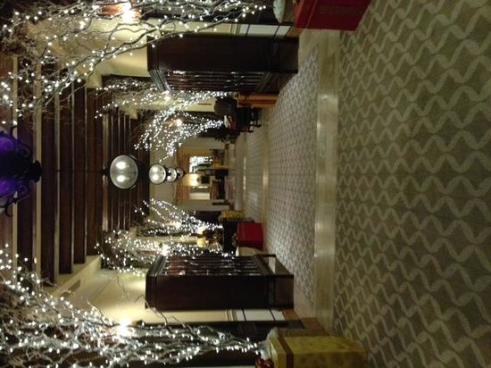 Green Valley Ranch Resort and Spa: Decorated hallways