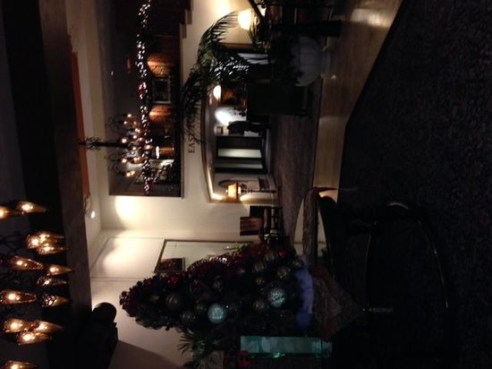 Green Valley Ranch Resort and Spa : Indoor lobby