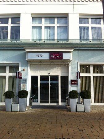 Mercure Graz City: Hoteleingang
