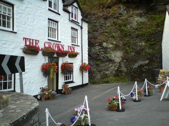Corwen, UK: The Crown Inn,  Llanfihangel Glyn Myfyr