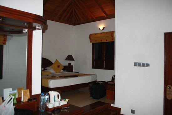Amaya Lake: Room