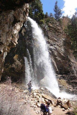 Hanging Lake Trail : Spouting rock