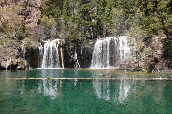 Hanging Lake Trail : Pure beauty