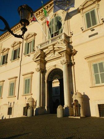 Quirinale Palace (Palazzo del Quirinale) : Palazzo del Quirinale Entrance