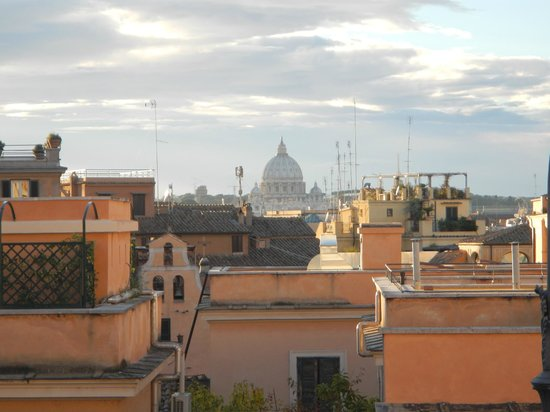Quirinale Palace (Palazzo del Quirinale) : View of Sain Peters from Palazzo del Quirinale
