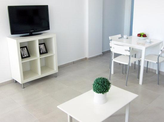 Margarita Napa Apartments Living Room 2
