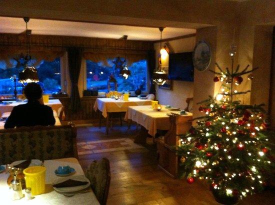 Haus Am Hirschsprung: Gezellige eetzaal