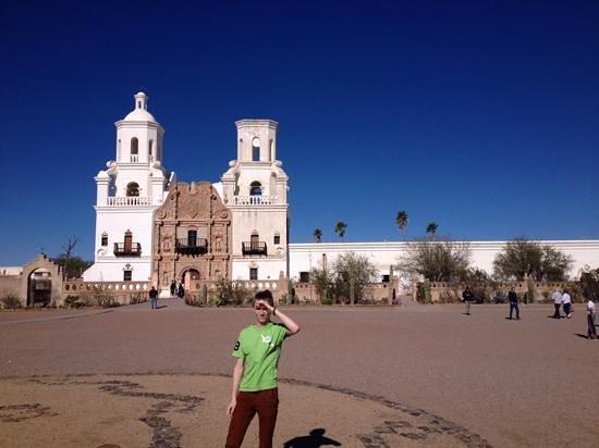 Mission San Xavier del Bac : moving