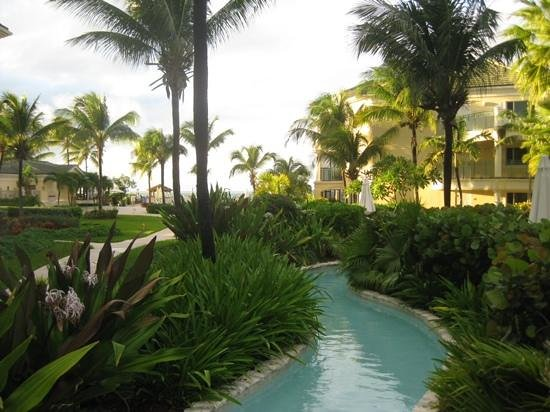 Sands at Grace Bay: lazy river pool