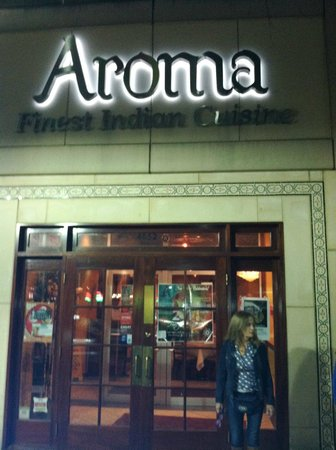 Aroma Indian Restaurant: Entrance