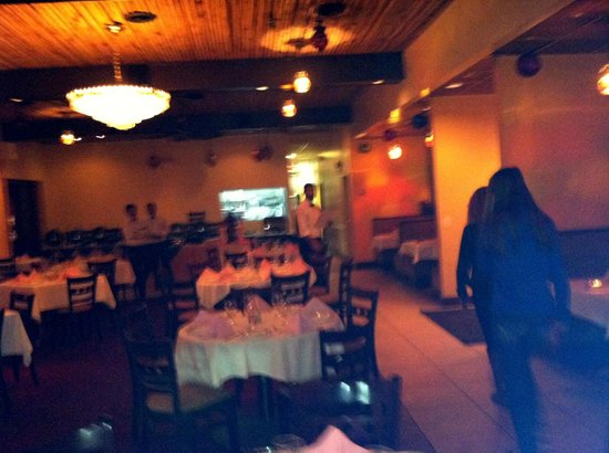 Aroma Indian Restaurant: dining room