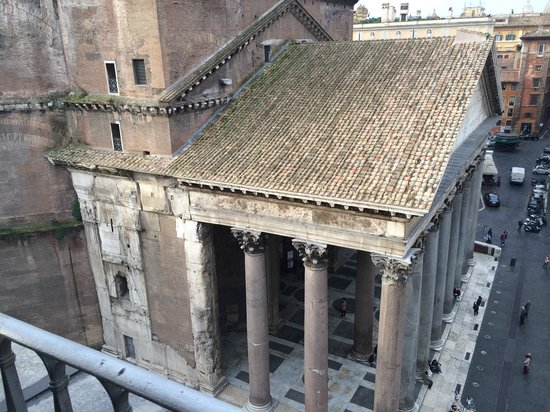 Albergo del Senato: View of the pantheon from our terrace
