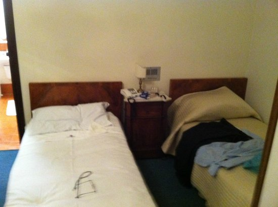 Britannique Hotel : Vista dei letti