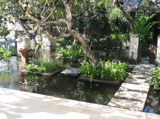 Novotel Bali Benoa: Hotel Grounds