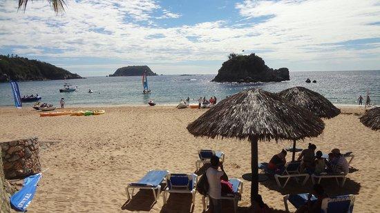Barcelo Huatulco: The Beach