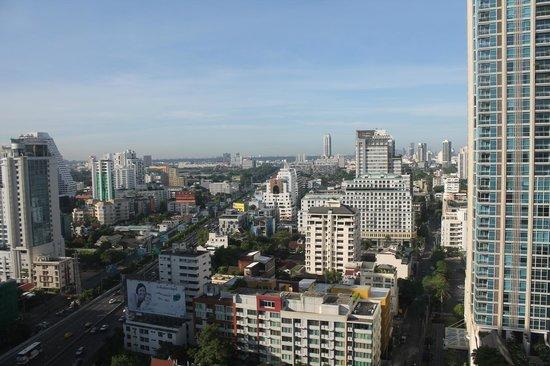 Novotel Bangkok Ploenchit Sukhumvit : uitzicht van een van de kamers