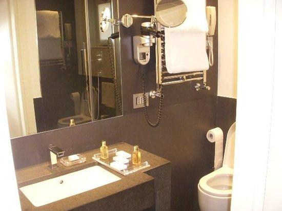 Hotel Mancino 12: Bathroom