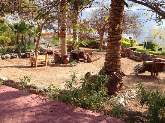 Maritim Jolie Ville Golf & Resort: New seating area near the beach