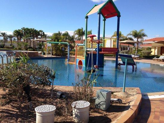Maritim Jolie Ville Golf & Resort: Childrens' pool area at the Royal Wing
