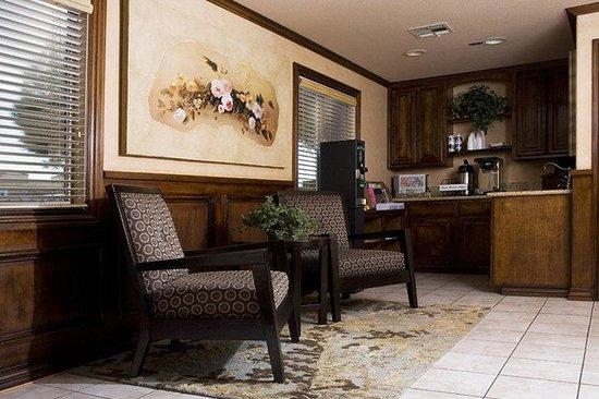 Emerald Suites Cameron: Lobby