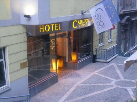 Carlton Hotel Budapest: Ingresso Hotel