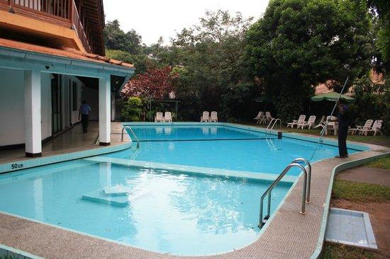 Hotel Hilltop : Pool/Beach area