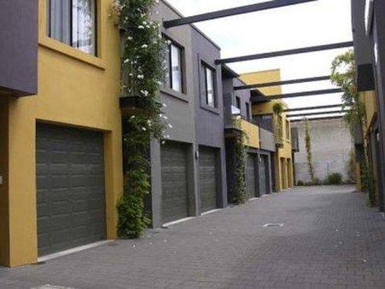 RNR Serviced Apartments Adelaide: Sturt Secure Parking