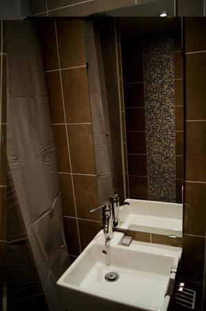 Victoria Hotel : Łazienka