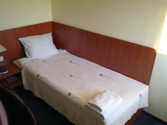 Hotel Classic : Single bed (not bad, but small)