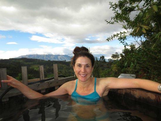 Casa Mojanda: Hot Tub looking over the valley
