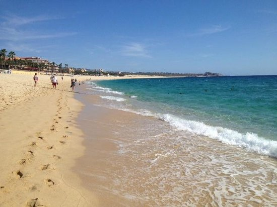 Villa del Palmar Beach Resort & Spa Los Cabos : walking into town( 10 minutes..)