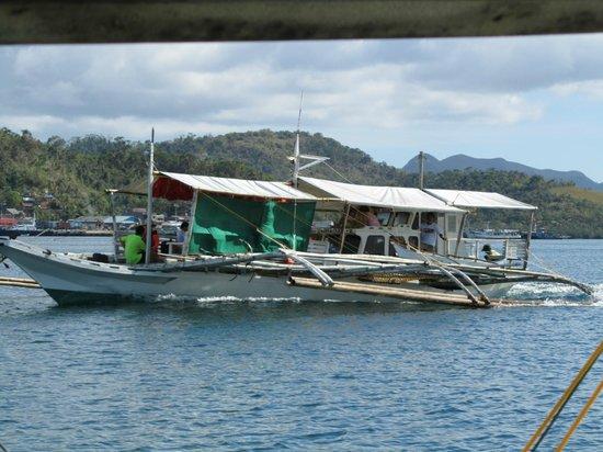 Busuanga Island Paradise: outrigger