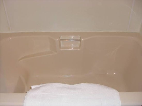 Deep Water Inn: Room 2 Soaker Tub