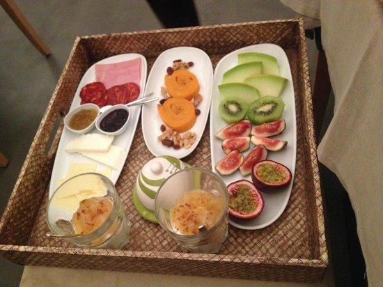InPatio Guest House: Super pequeno-almoço