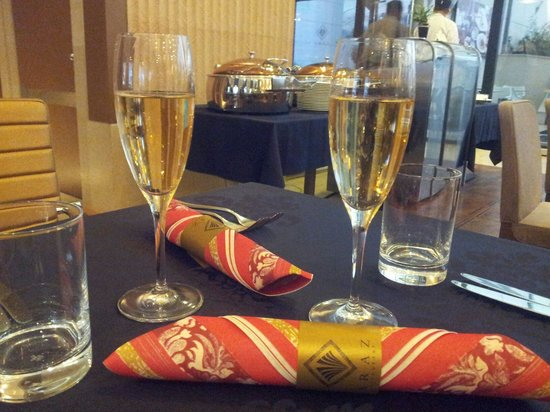 Araz Restaurant Budapest: Christmas brunch