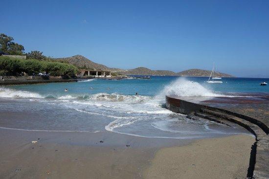 Elounda Bay Palace: Strandbereich