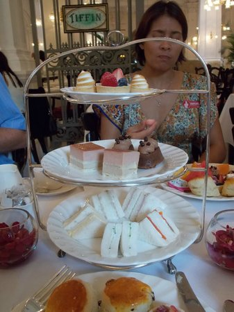 Raffles Hotel Singapore: High tea