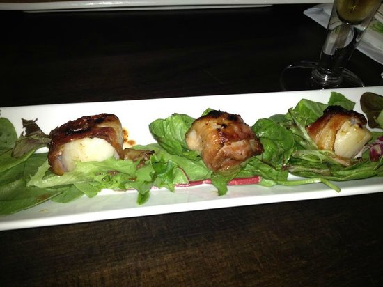 Sticky Elbow: Bacon wrapped scallops!