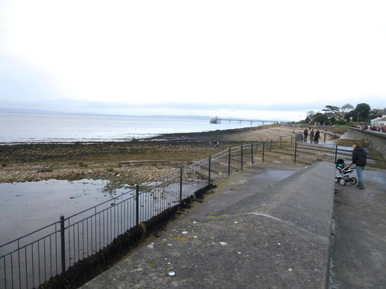 Clevedon Pier and Heritage Centre: looking along the promenade