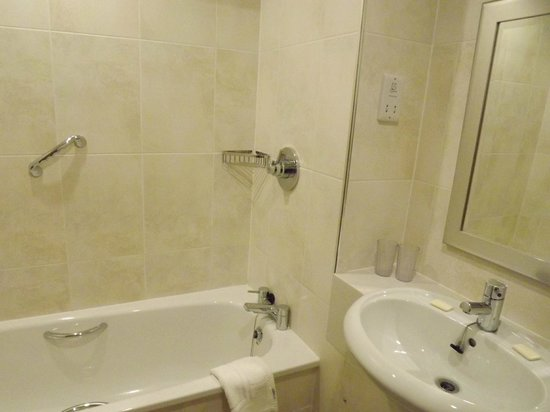 Highland Hotel: Bathroom/en suite