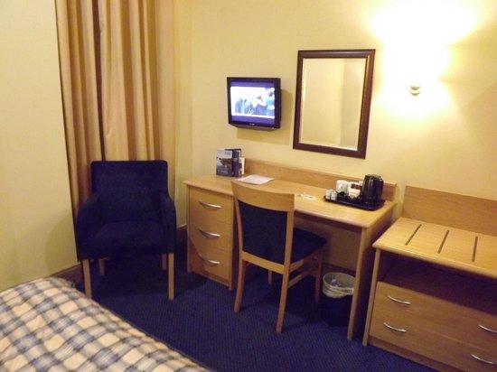 Highland Hotel: Room Furnishing