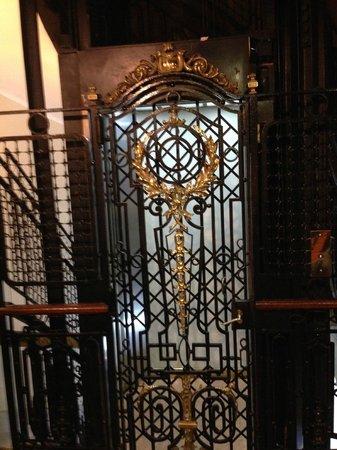 Hotel Palacio: o portal do tempo