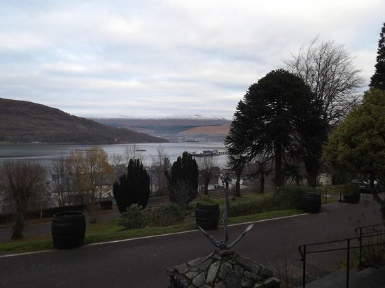 Highland Hotel: View from Grounds of Hotel