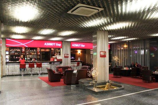 AZIMUT Hotel Siberia: Холл 1 этажа