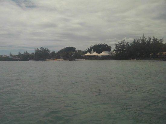 Calodyne Hotel : Strandbereich vom Meer aus