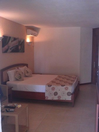 Calodyne Hotel: Schlafzimmer