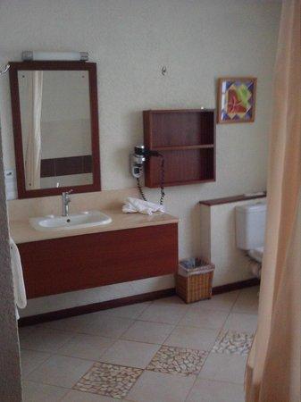 Calodyne Hotel: Badezimmer